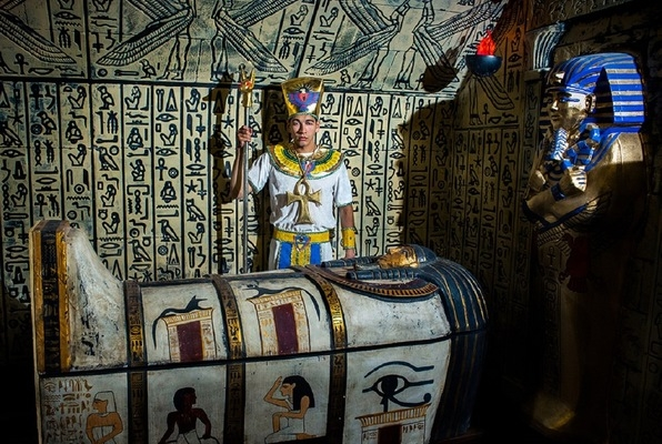 Pharaoh's Tomb